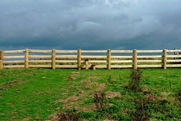 fence-1670087_640